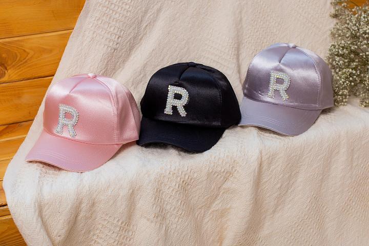 """Кепка """"R"""" для девочки"""